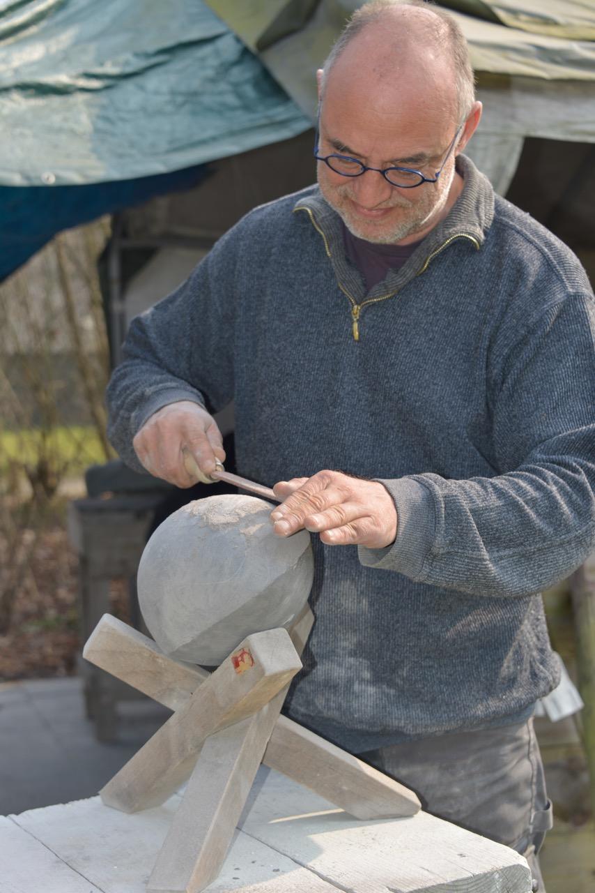 Bildhauer Frank Linsewski